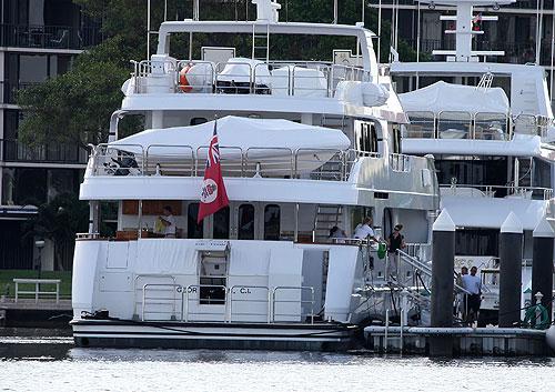 tiger woods hides name on boat