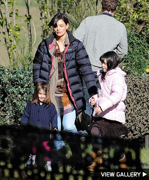 katie holmes takes a break on-set with suri