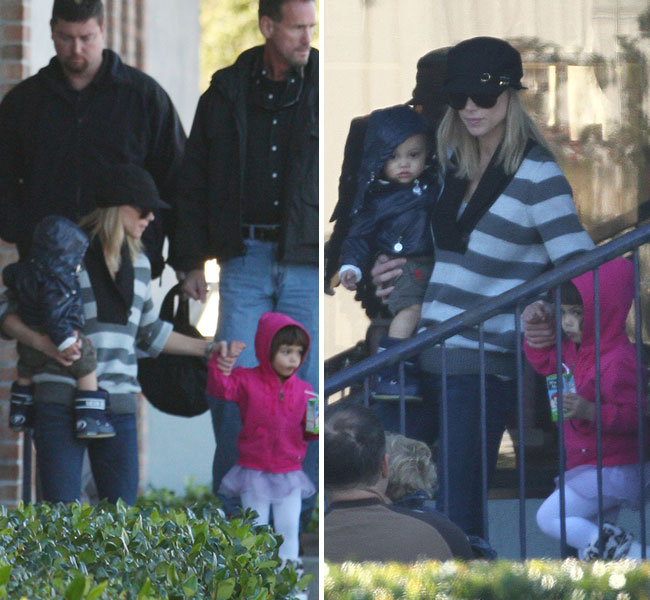 Elin Nordegren Spotted with Kids